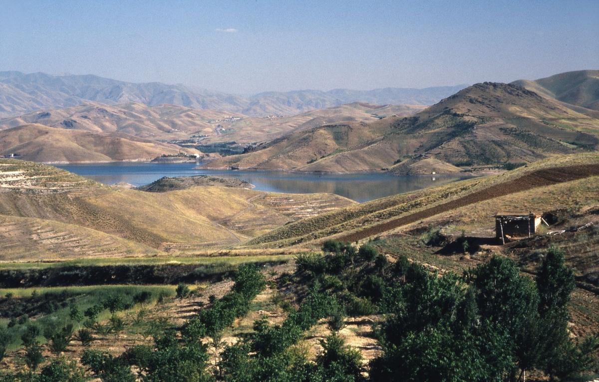 dia-iran-kurdische-landschaft-small