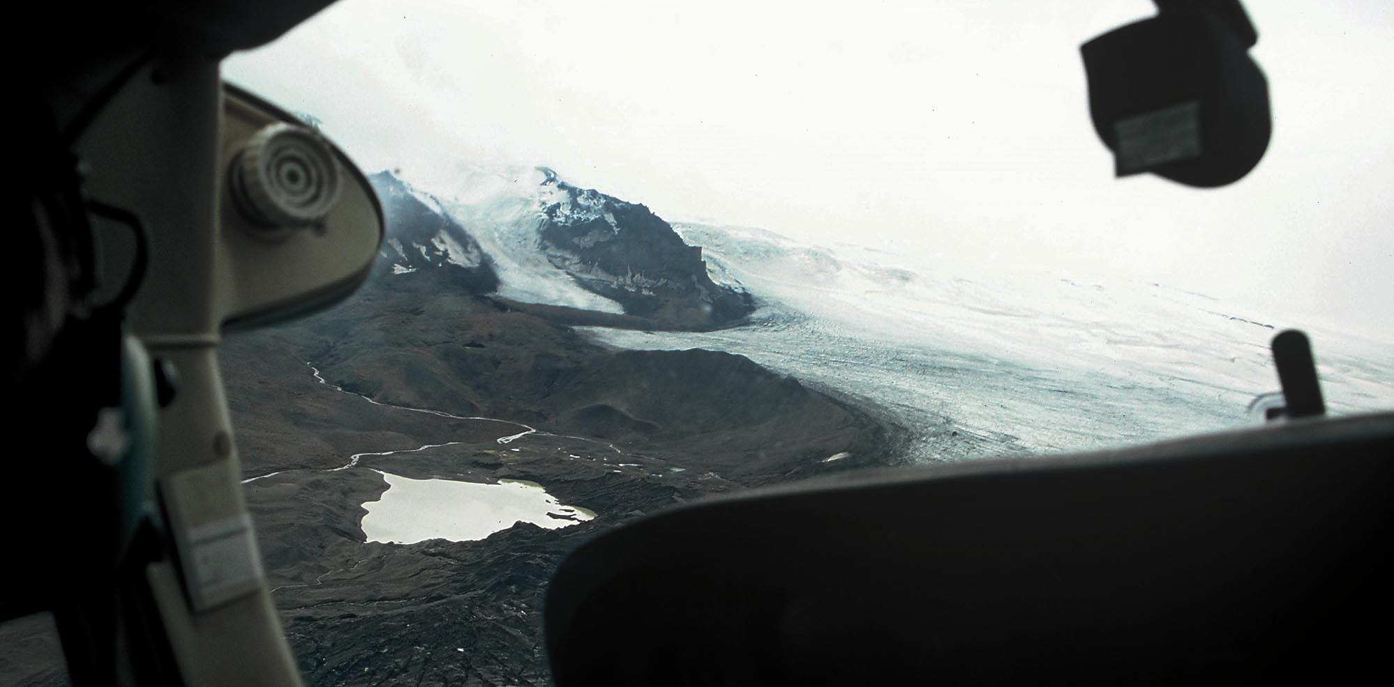 island-flugzeug-vatnajoekul-small