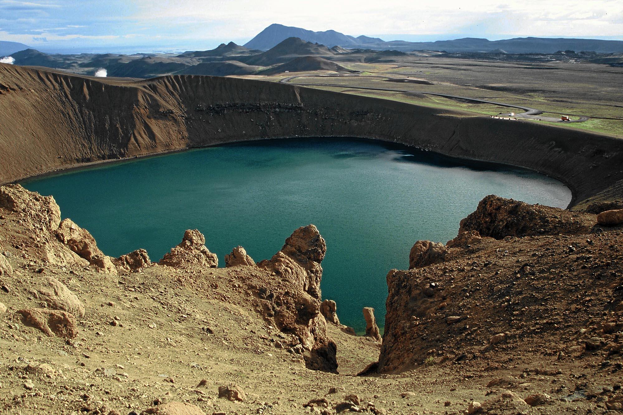 island-krater-myvatn-small
