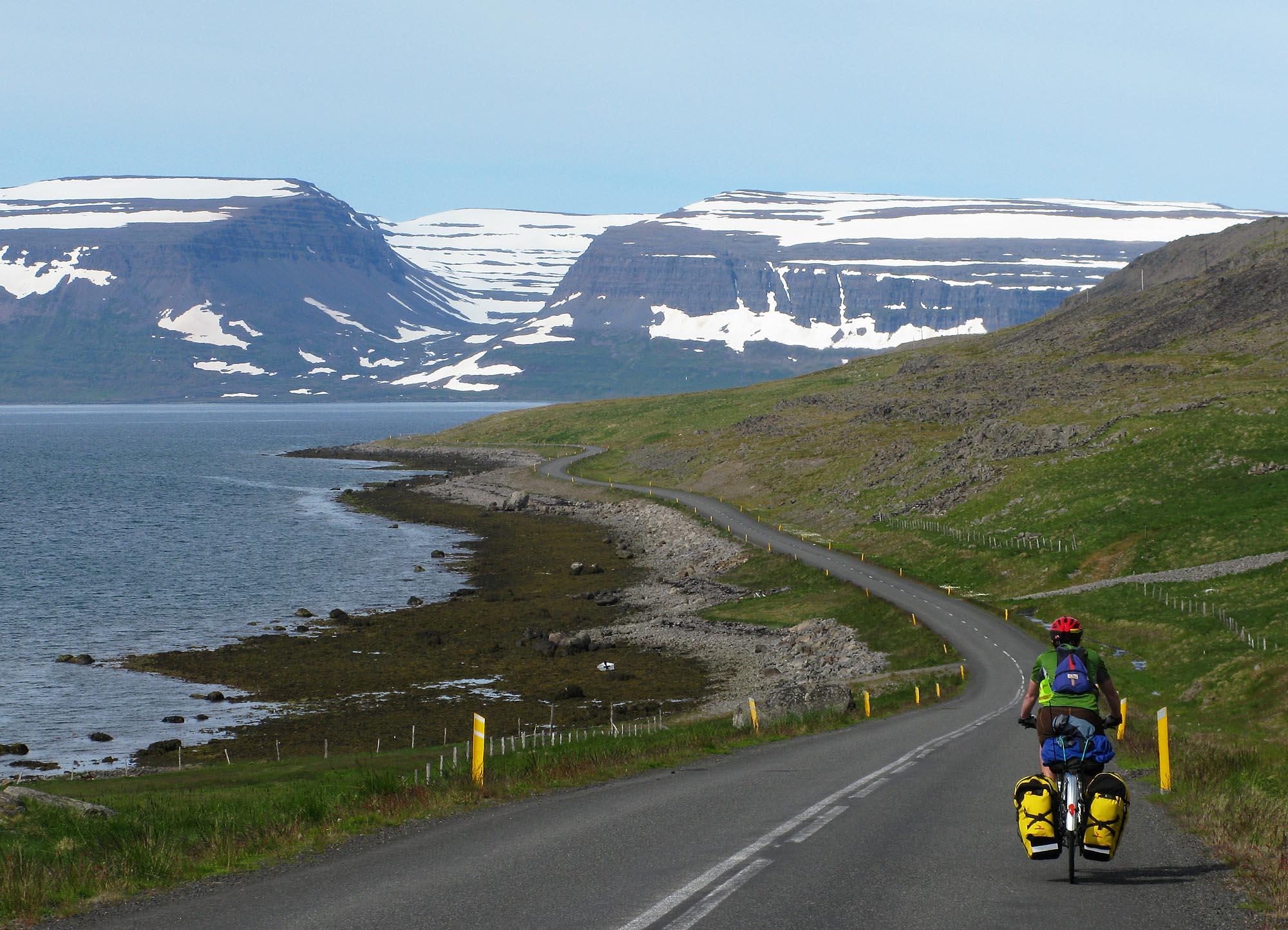 island-nw-fjorde-velo-small