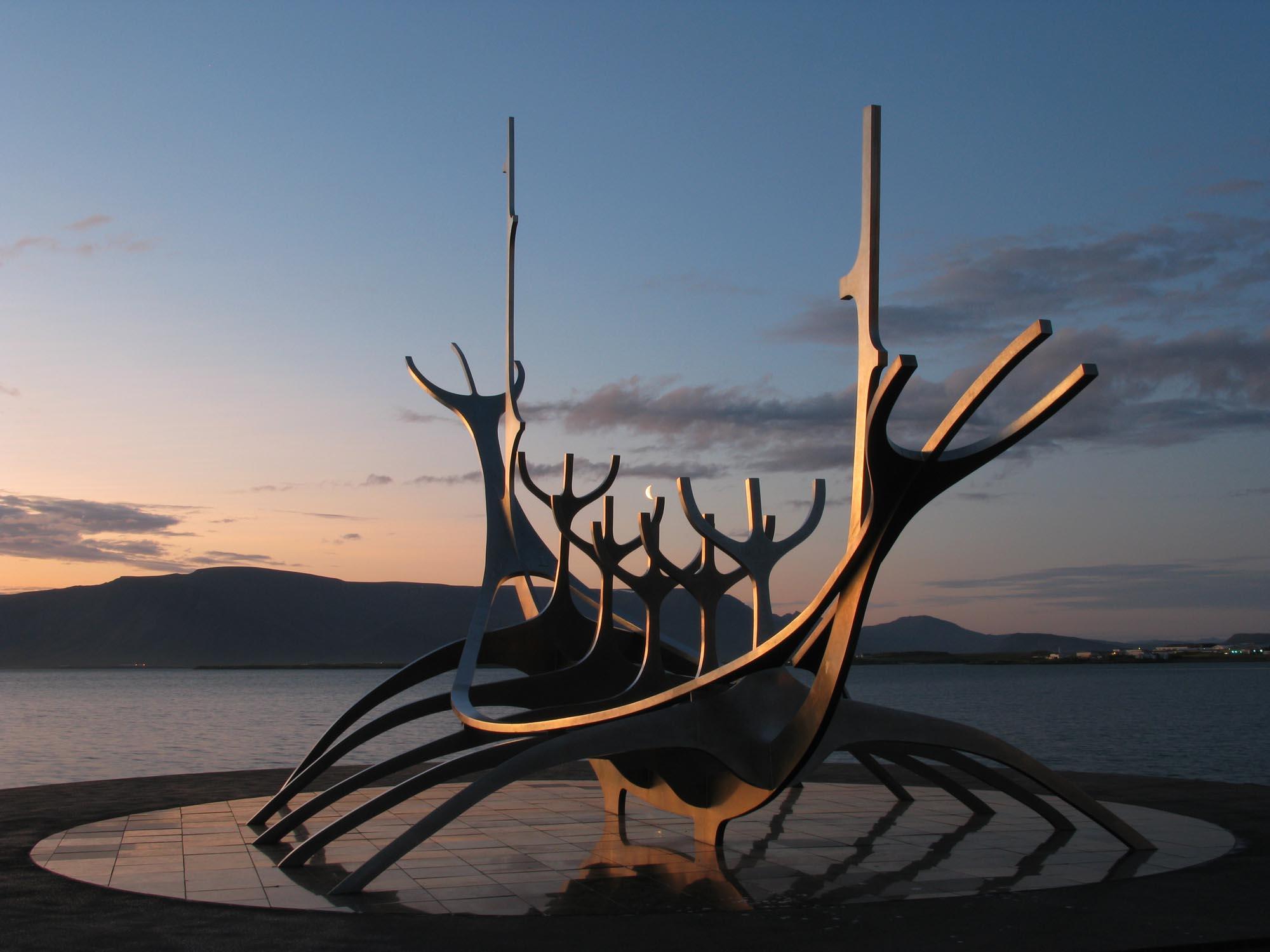 island-reykjavik-wikingerboot-small