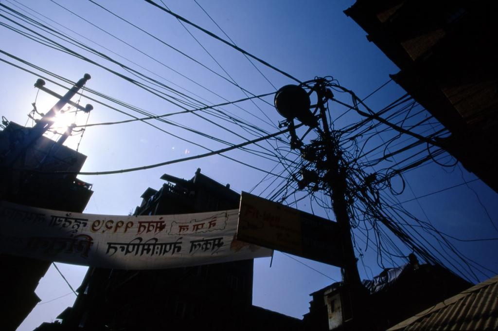 nepal-stromkabel-wirrwarr
