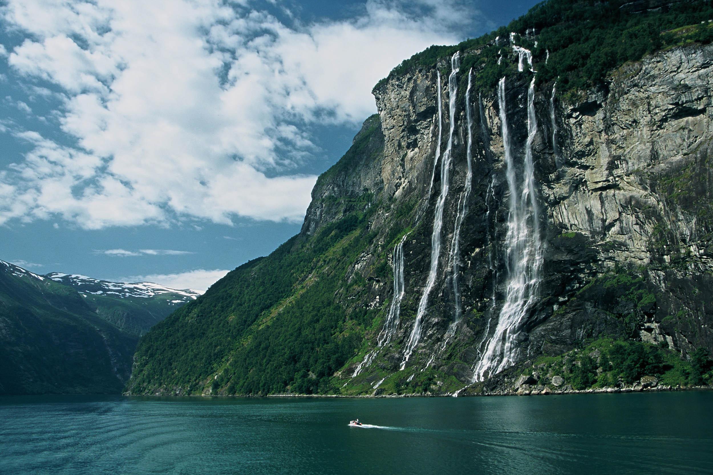 norwegen-wasserfall-sjoe-sistre