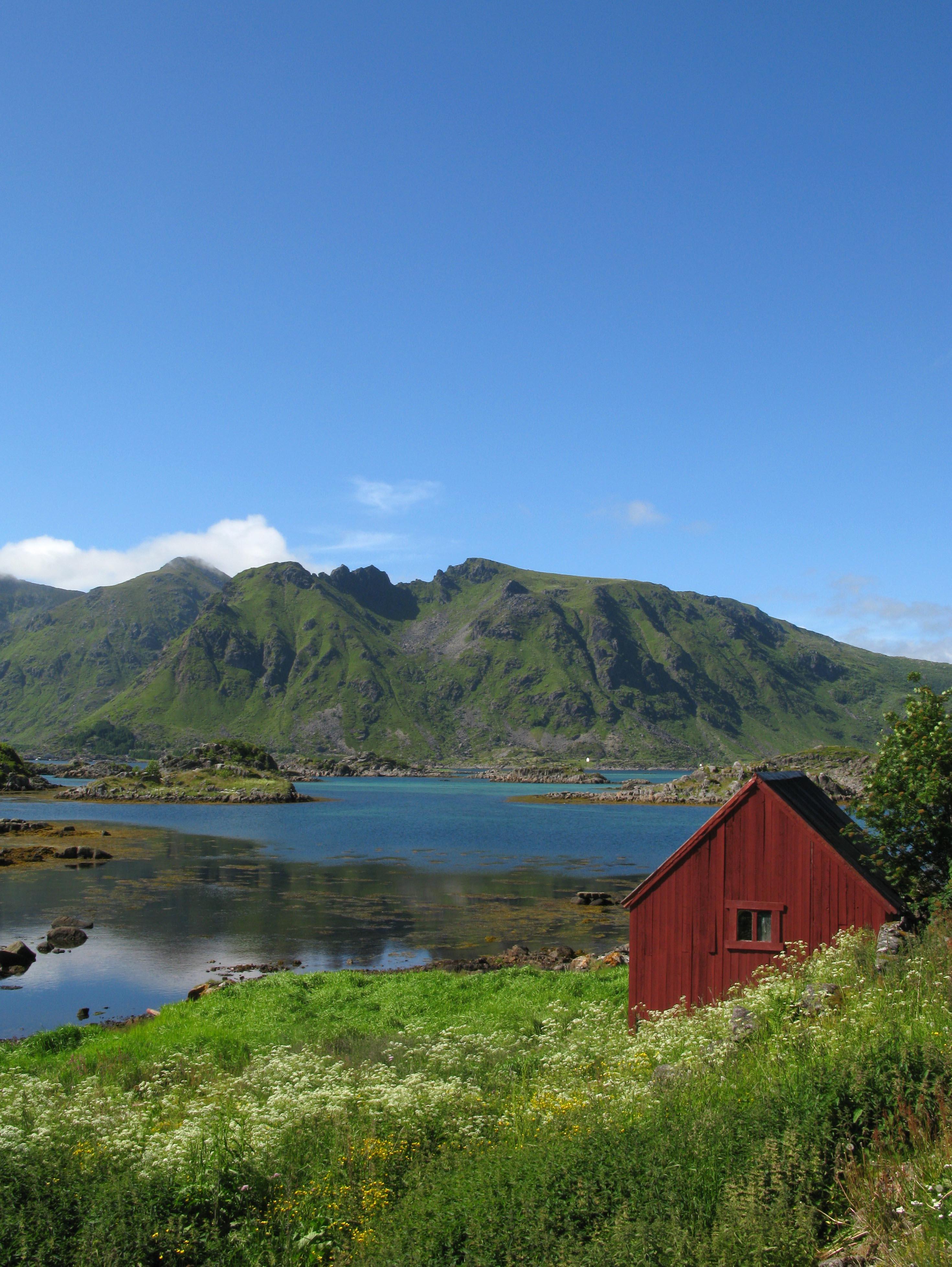norwegen-fjord-huette