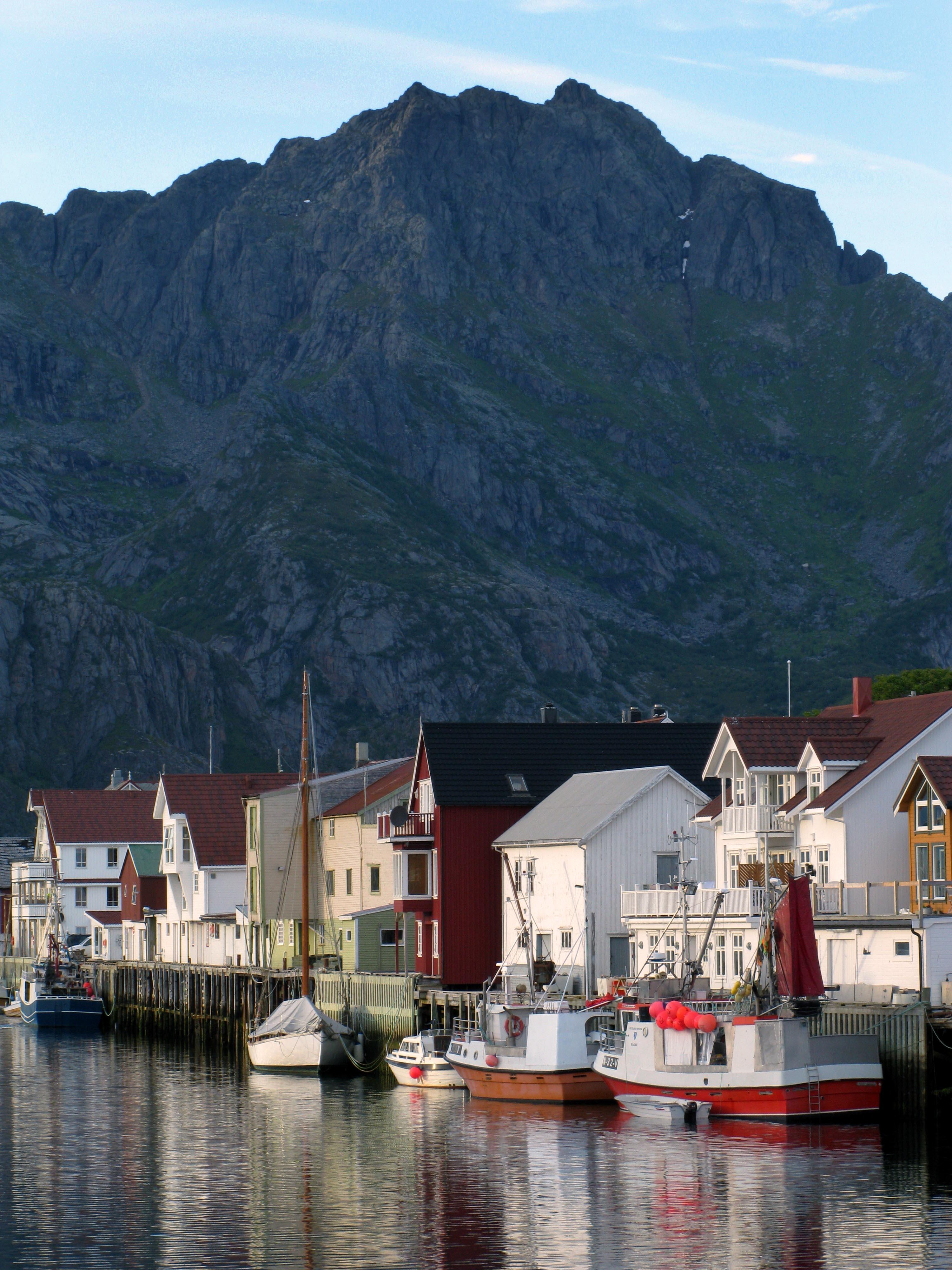 norwegen-henningsvaer
