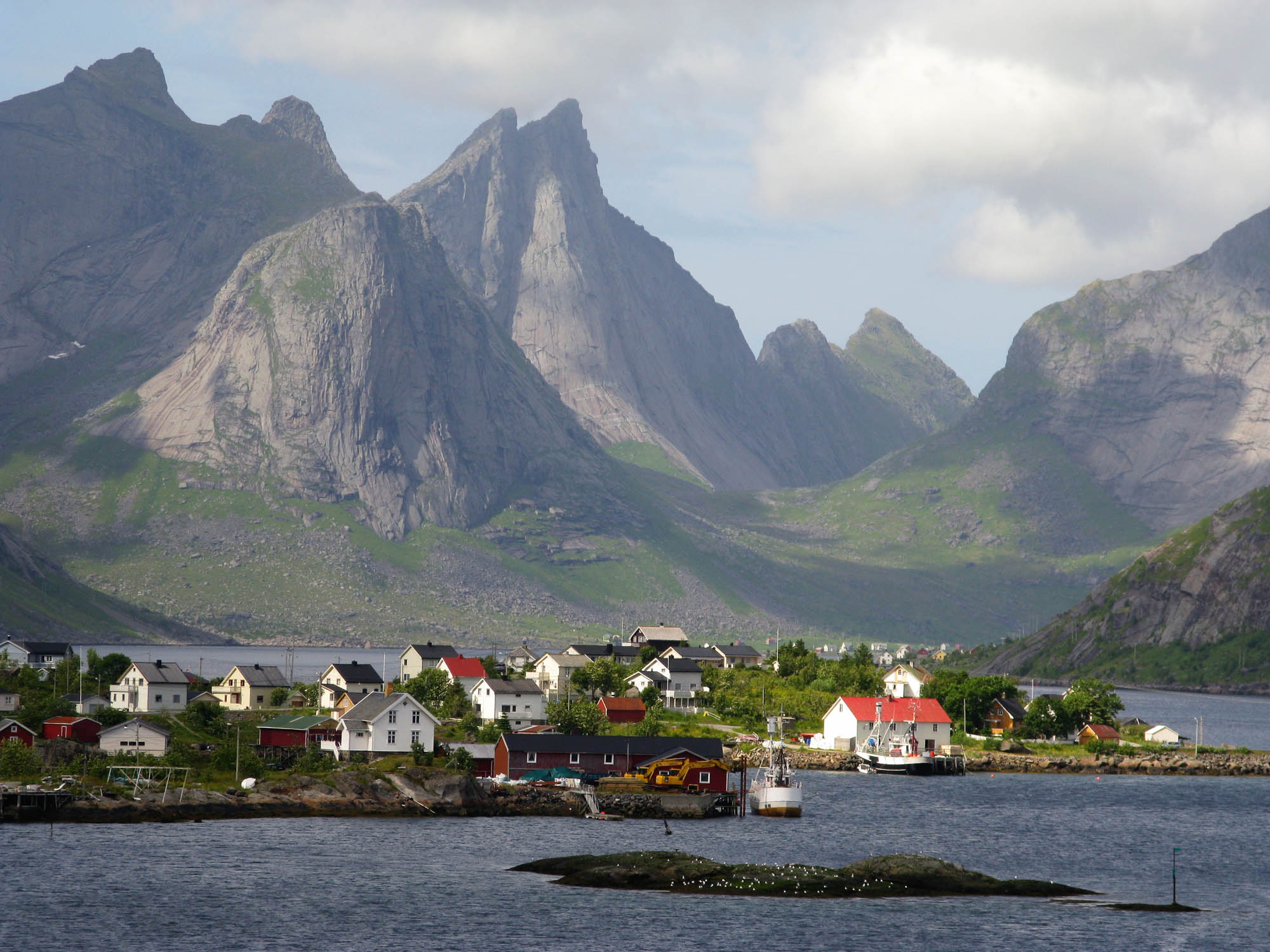 norwegen-lofoten-reine-small