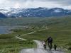 norwegen-jotunheimveien-vater-kind-hund