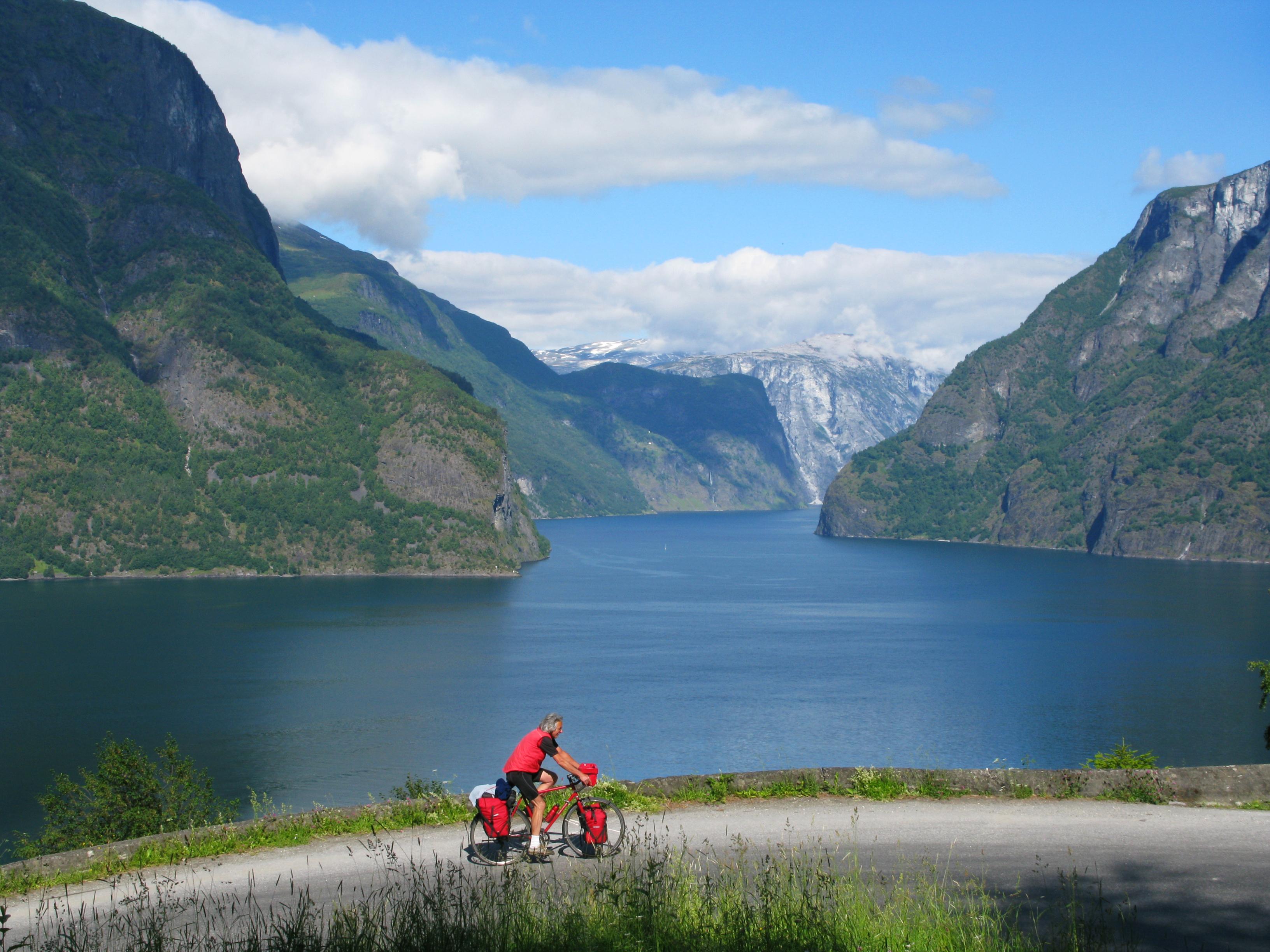 wolfgang-norwegen-2010-aufstieg-aurlandsvangen-sognefjord