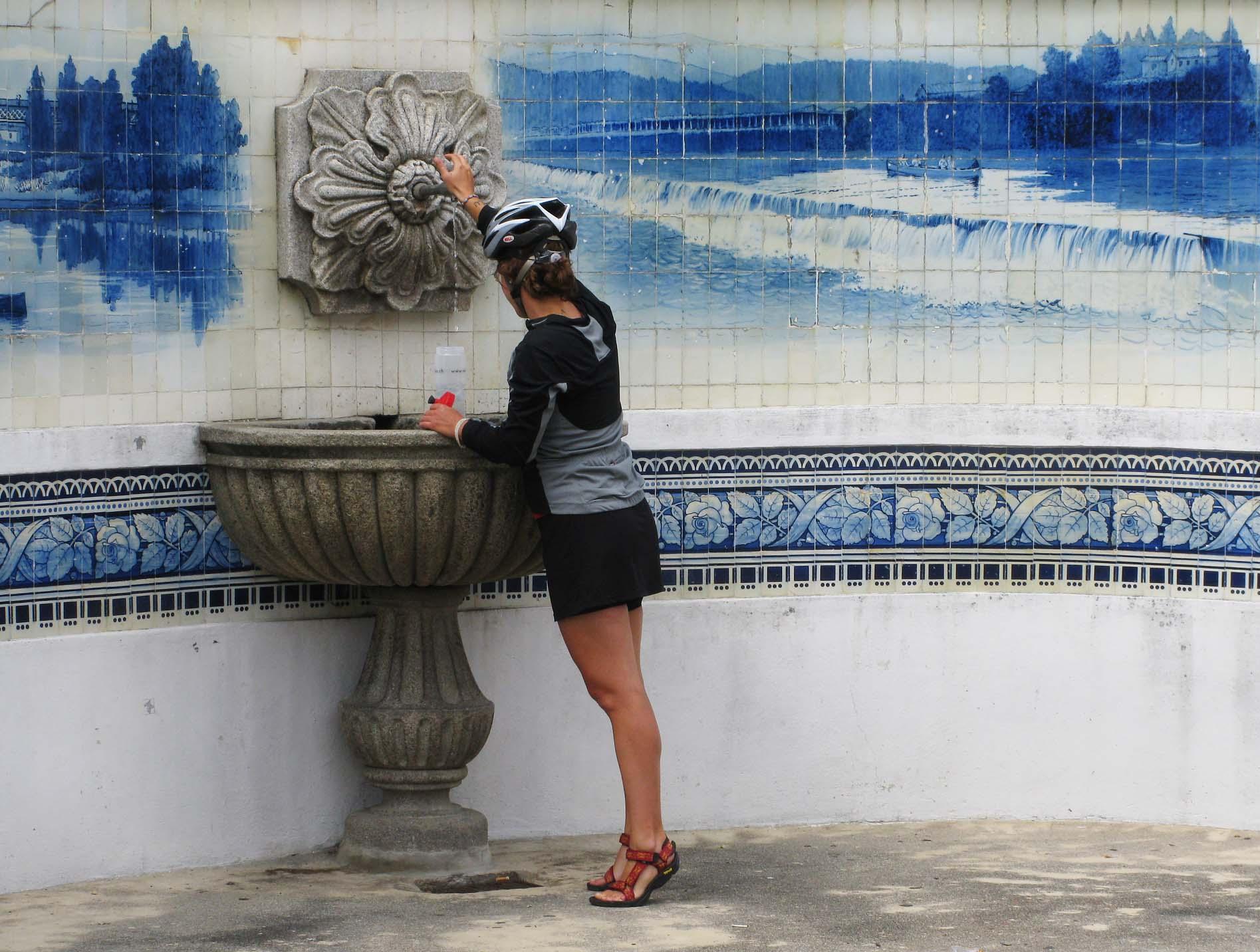 brunnen-azulejos-melanie-small