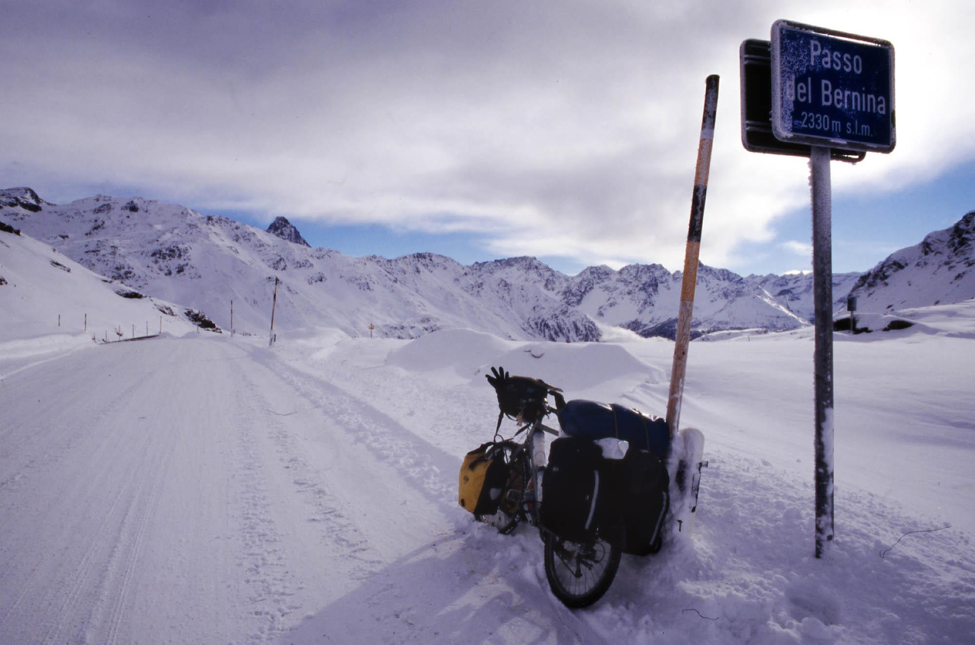 schweiz-bernina-pass-schnee-small