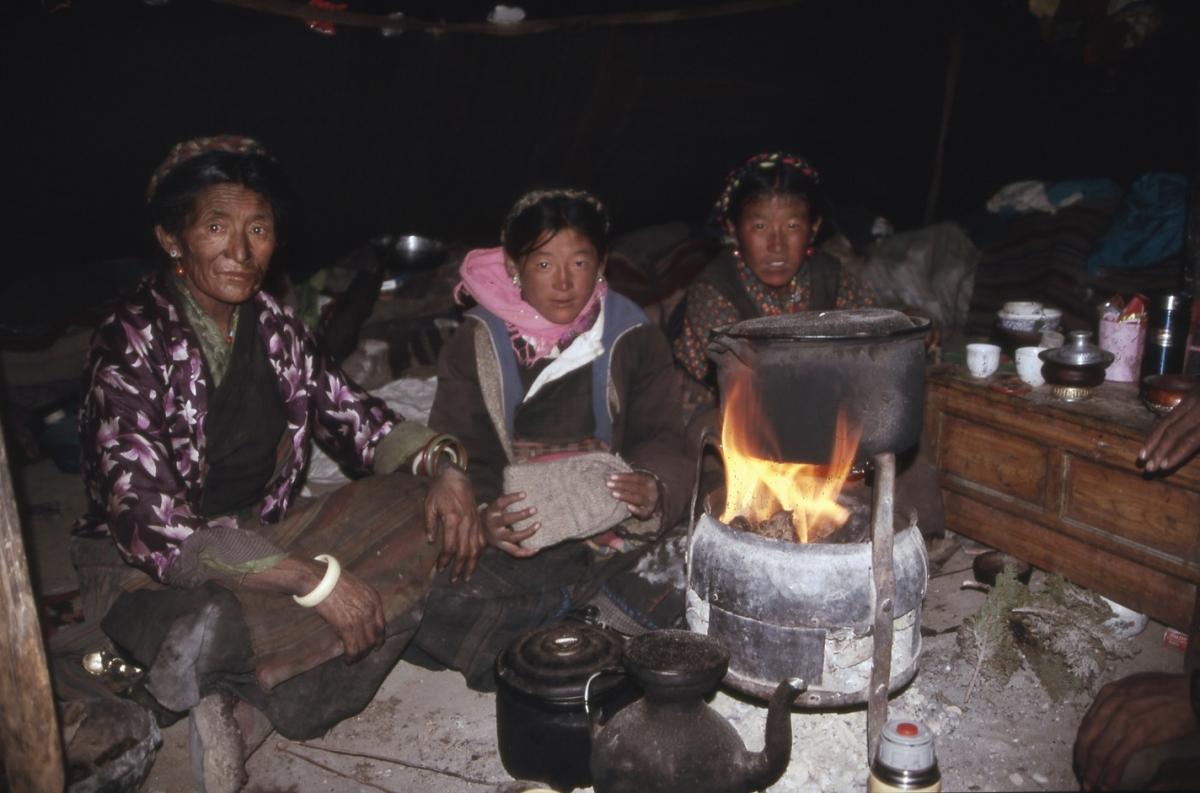 dia-tibet-zelt-nomaden-feue-small