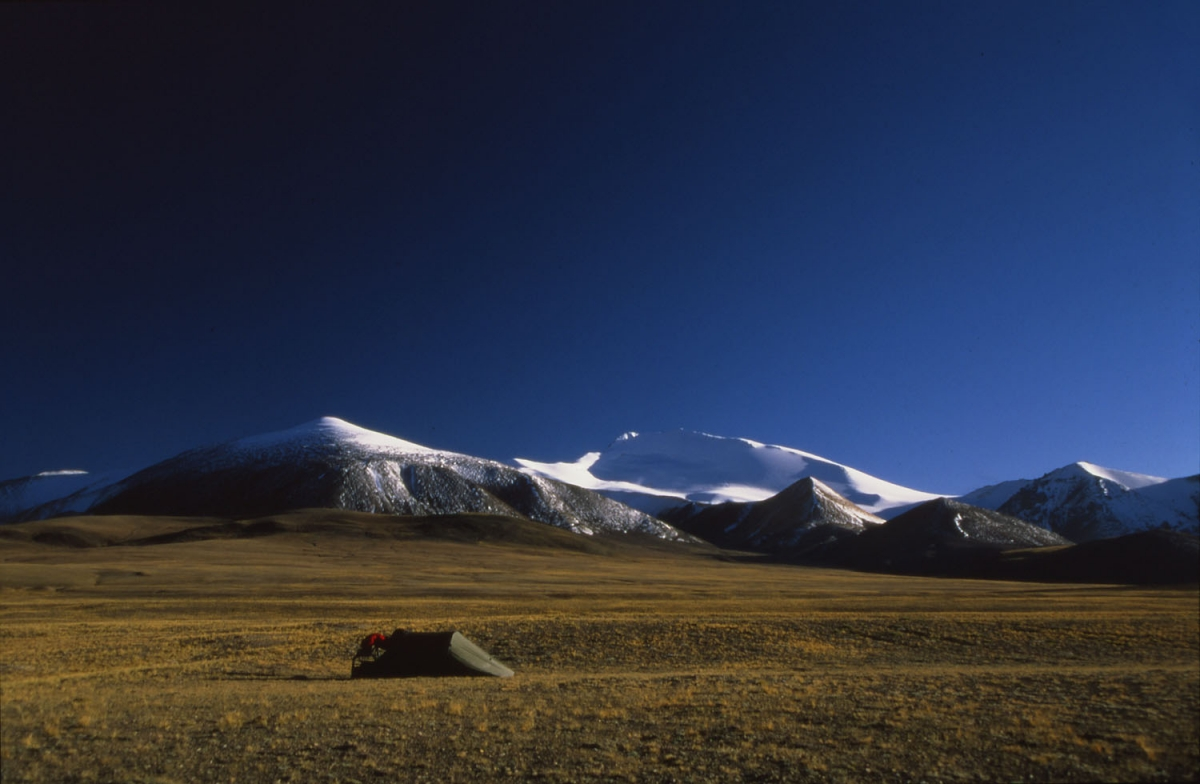 tibet-zelt-schneeberge-small