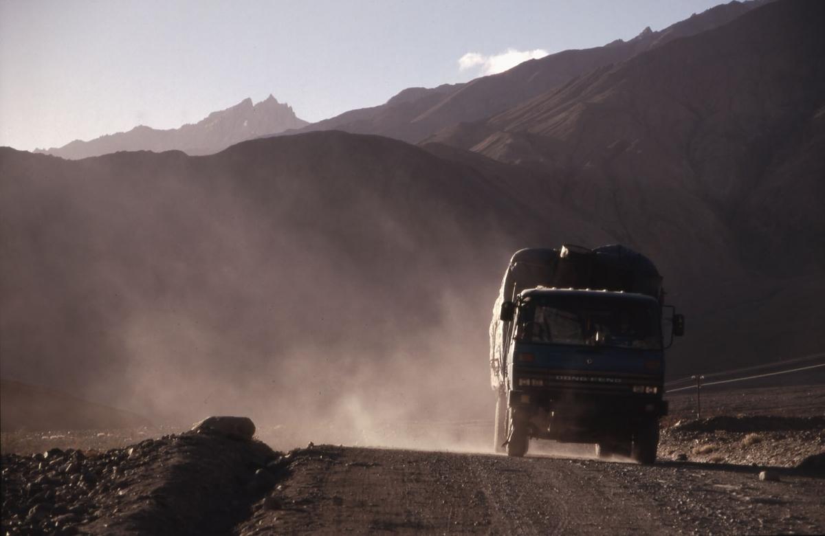 xinjiang-truck-abendsonne-small