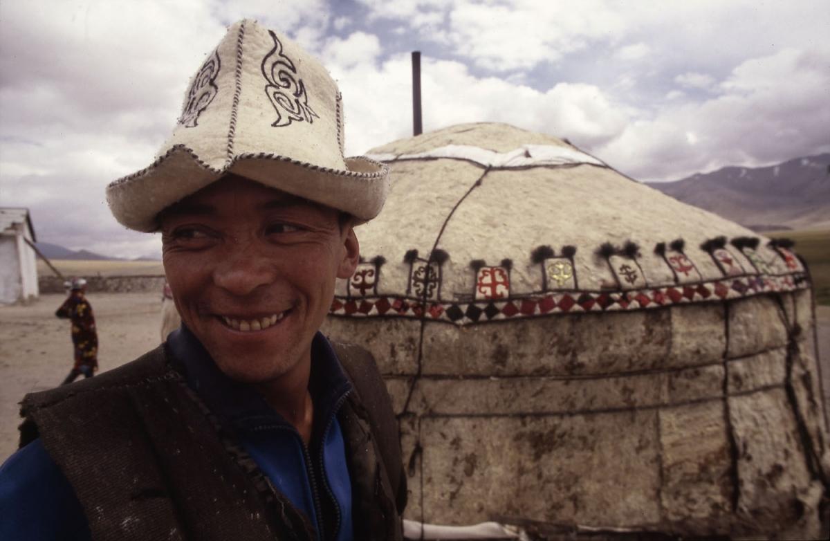 tajikistan-pamir-kirgise-jurt-small