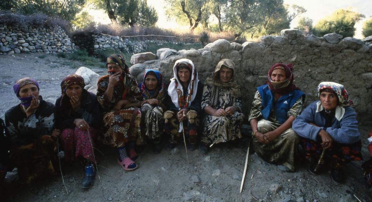 tajikistan-wakhan-frauenrunde-small